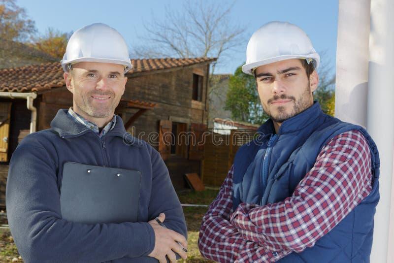 Constructeurs inspirant dehors la confiance photos stock