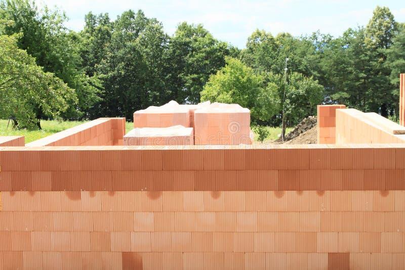 Download Construction photo stock. Image du maison, brique, république - 76087802