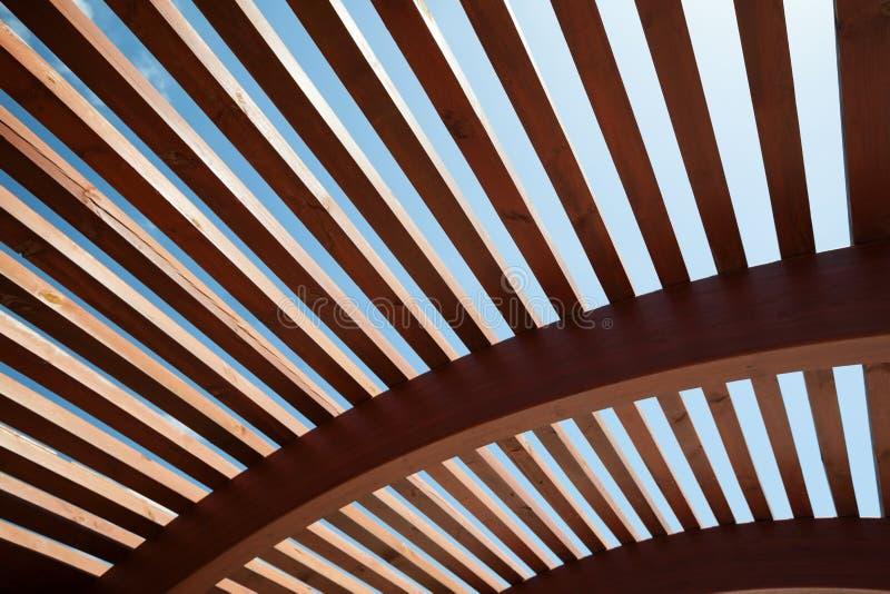 Construction architecturale des lamelles en bois images libres de droits