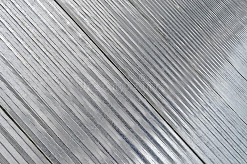 Construction argentée abstraite en métal, industrie moderne, photo libre de droits