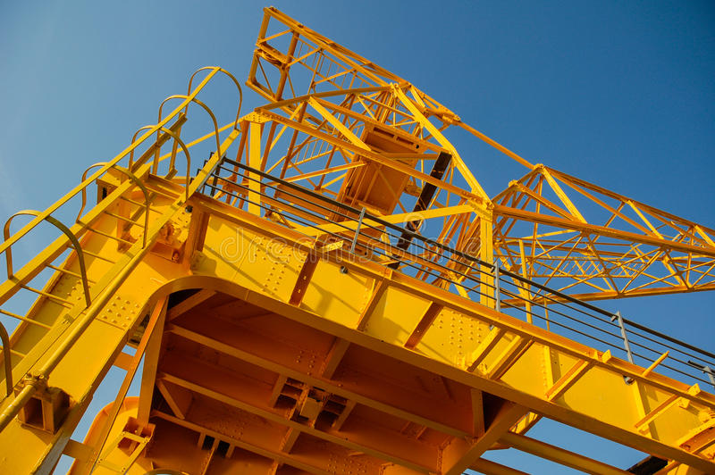 Download Construction Crane Royalty Free Stock Images - Image: 27264779