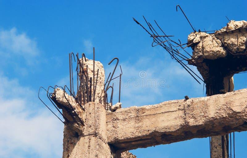 Construction détruite, saletés. image libre de droits