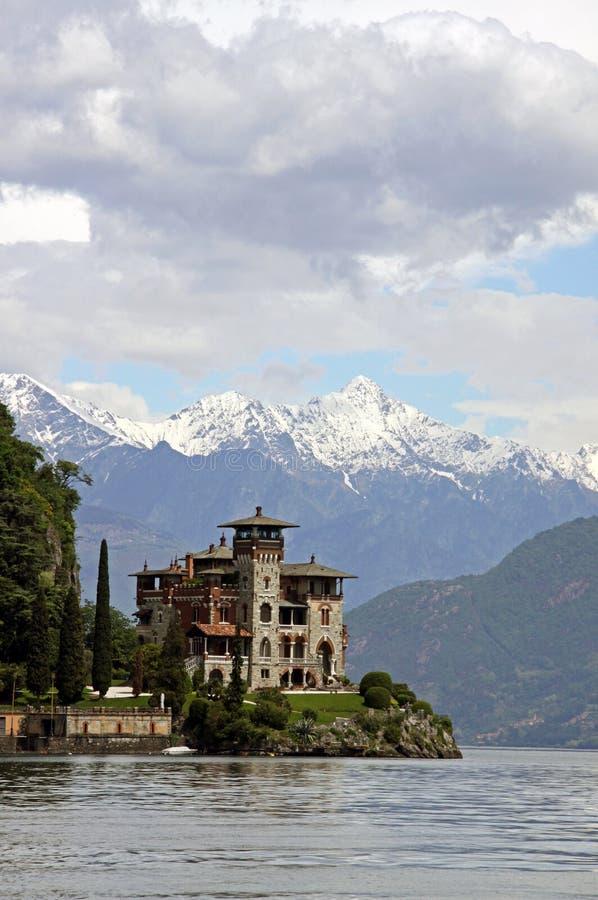 Construction d'architecture italienne au lac Como photographie stock libre de droits