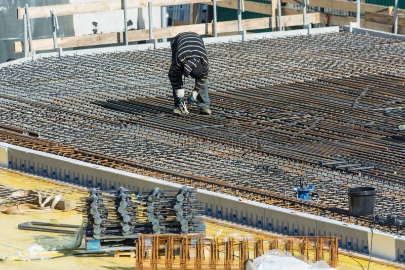 Construction d'un bâtiment résidentiel et commercial dans Velbert photos stock