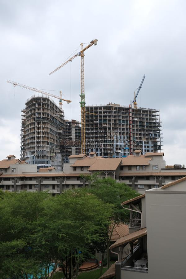 Construction d'un gratte-ciel dans Sandton, Johannesburg, Soiuth Afrique le 2 avril 2019 photos stock