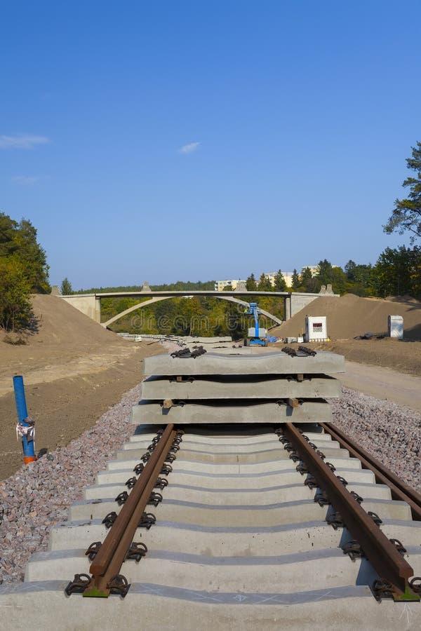 Construction d'une nouvelle ligne ferroviaire photographie stock libre de droits