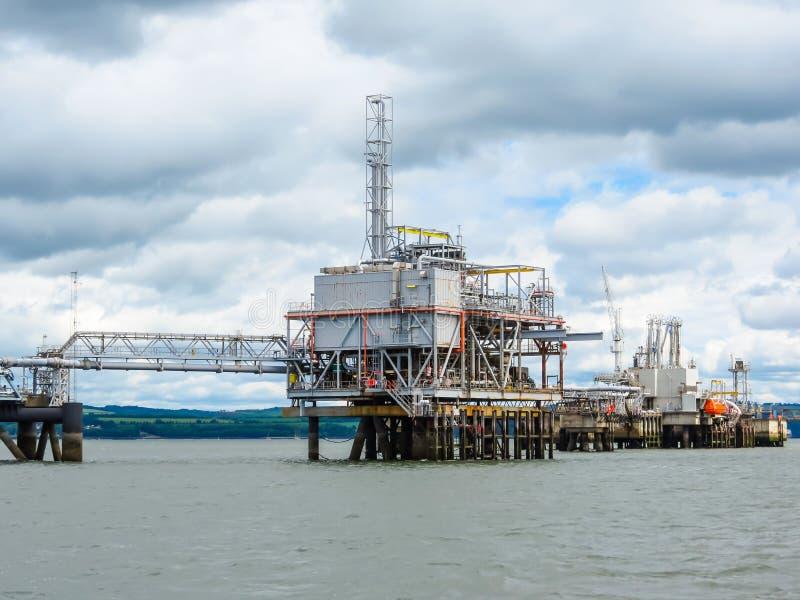 Construction dans la baie de mer images libres de droits