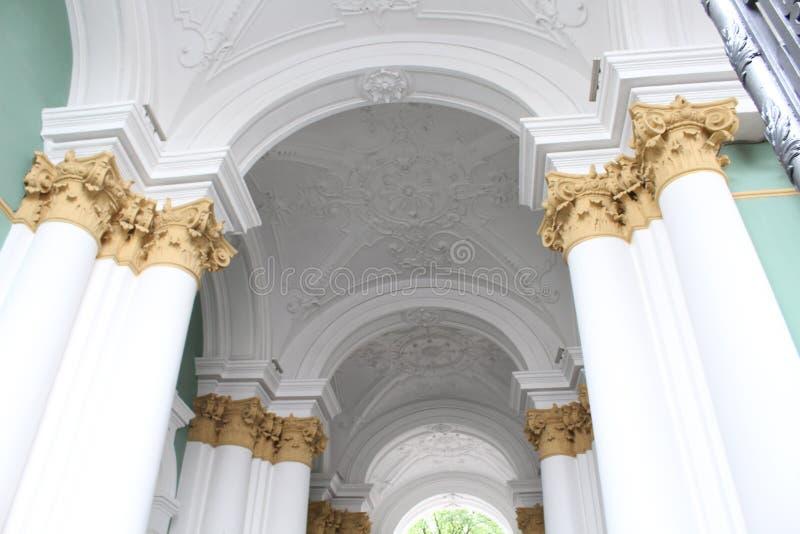 Construction dans la ville du St Petersbourg avec la belle architecture photographie stock