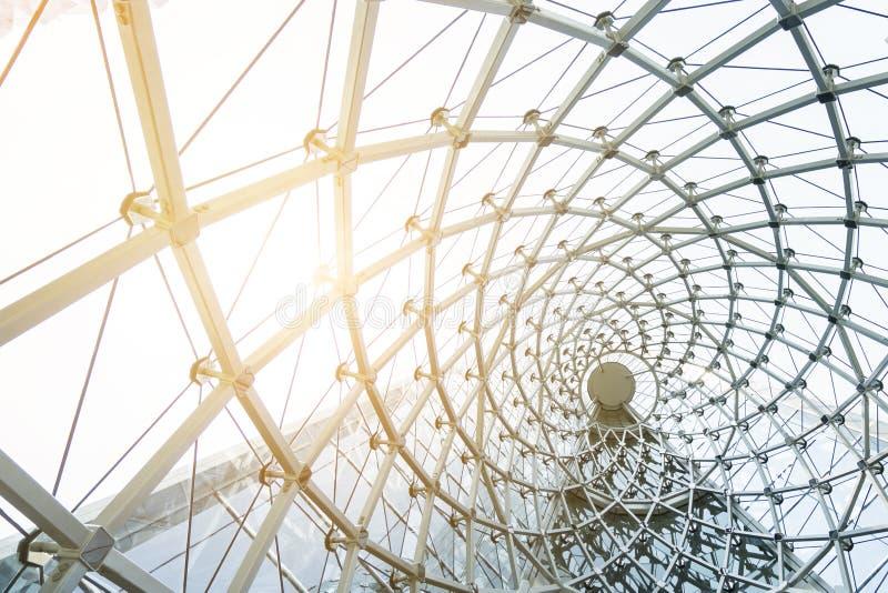 Construction de bâtiments du cadre en acier en métal dehors photographie stock