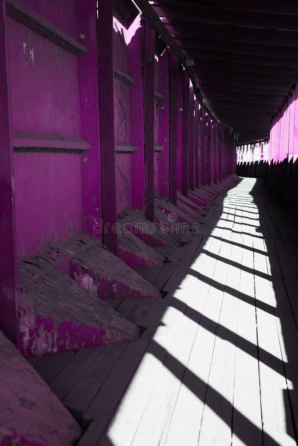 Construction de bâtiments industrielle pour le passage sûr photographie stock libre de droits