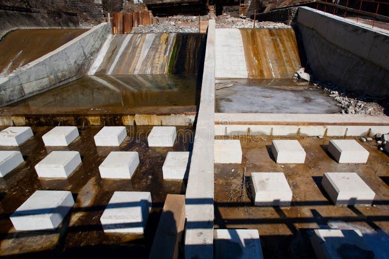 Construction de côtés de fleuve photo stock