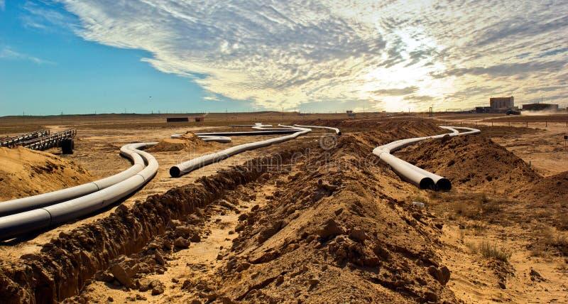 Construction de canalisation dans Betpakdala photos stock