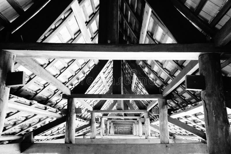 Construction de couloir de toit incurvée par Asiatique photos libres de droits