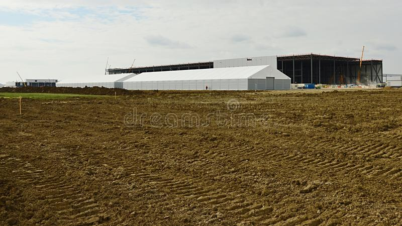 Construction de hall d'usine d'installation de Jaguar Land Rover dans Nitra, Slovaquie photo stock