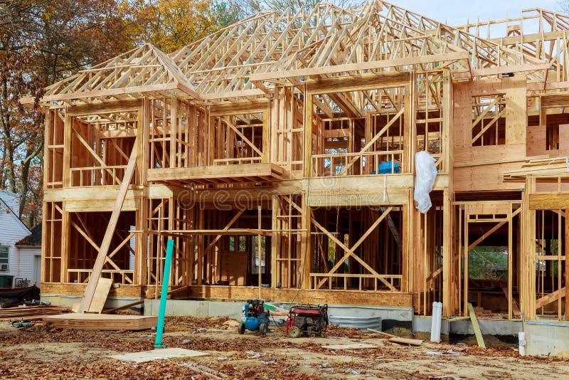 Construction de maison unifamiliale - construction d'une Chambre encadrée nouvel en bois photo libre de droits