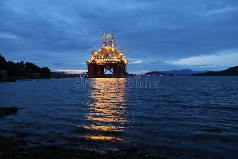 Construction de plateforme pétrolière images libres de droits