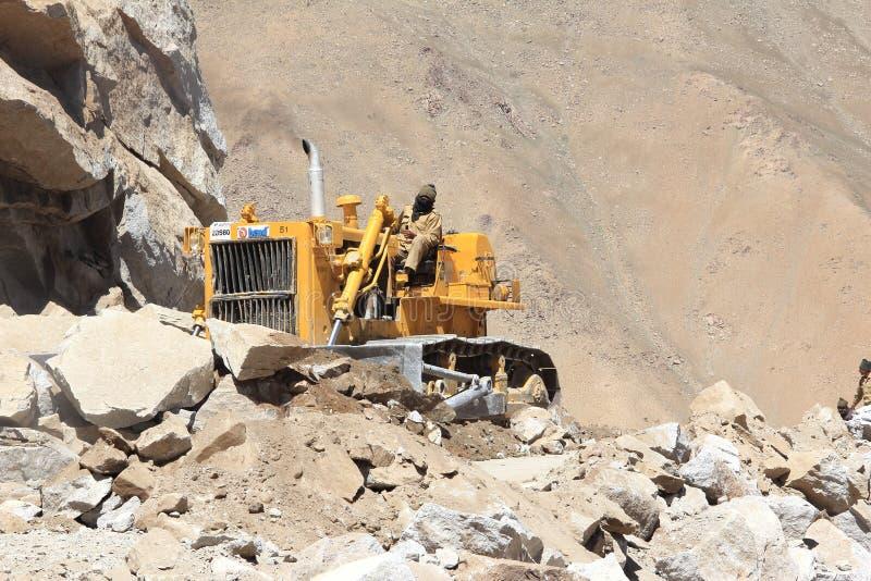 Construction de routes dans Ladakh image libre de droits