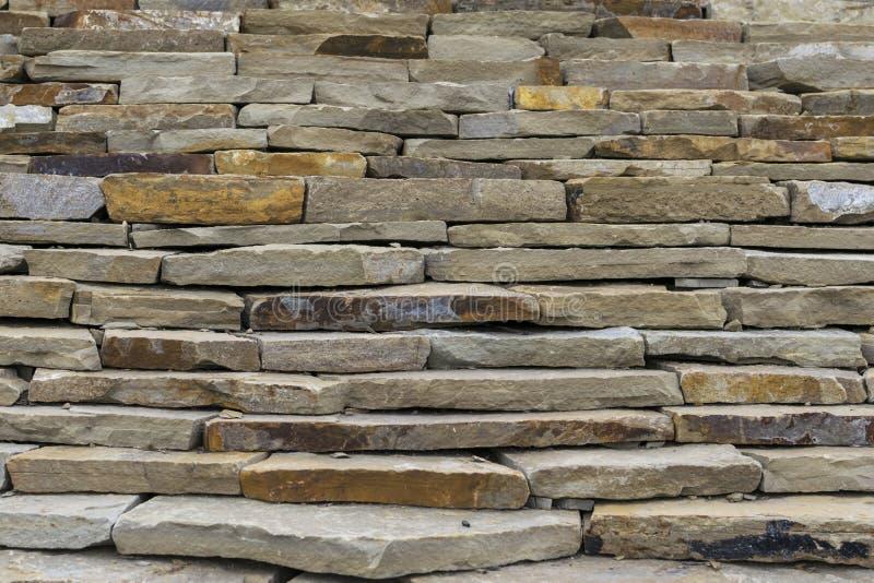 Construction du mur de la pierre naturelle photo libre de droits