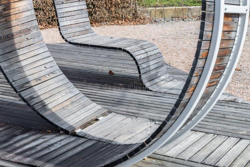 Construction en bois géométrique moderne prévue comme allocation des places, Allemagne photo stock