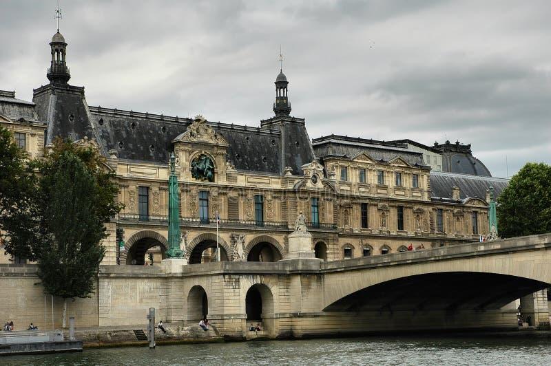 Construction historique et passerelle photo libre de droits