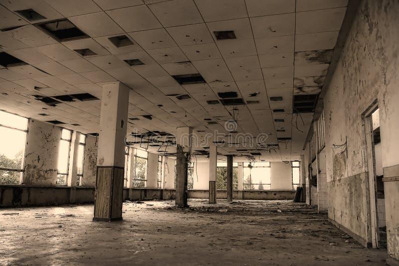 Construction industrielle abandonnée images stock