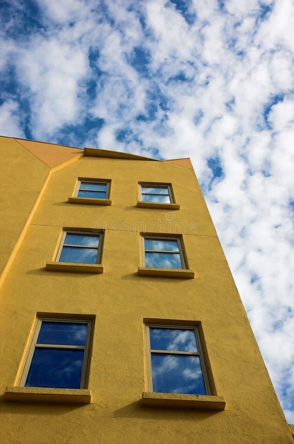 Construction jaune image stock