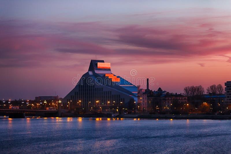 Construction letton de Bibliothèque nationale à Riga, Lettonie photo stock