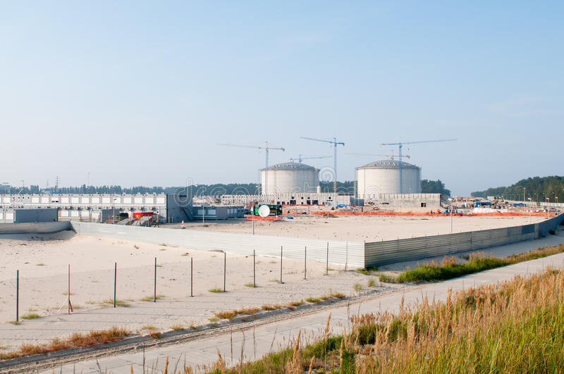 Download Construction Of LPG Terminal In Swinoujscie Editorial Image - Image: 26757400