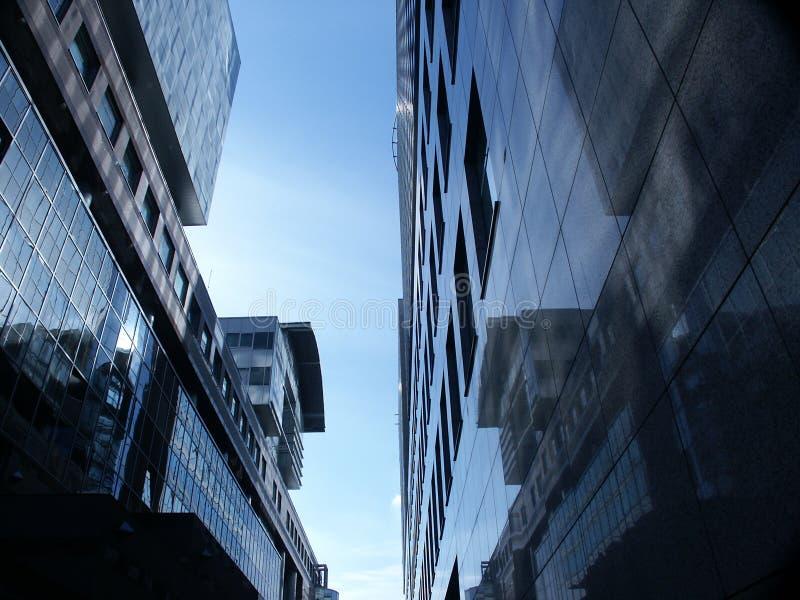 Construction moderne à Varsovie images libres de droits