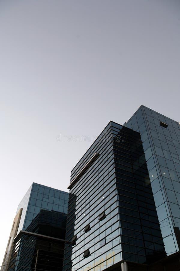 Construction moderne d'affaires images stock