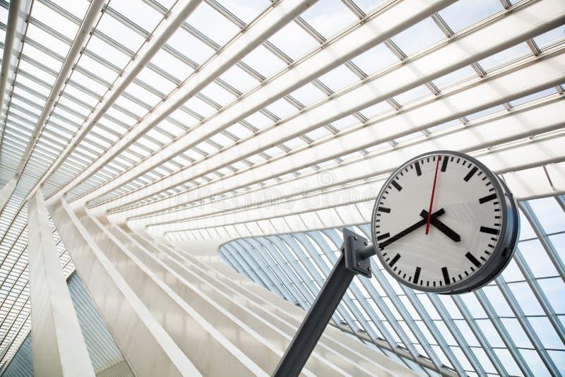 Construction moderne de toit de Santiago Calatrava photographie stock