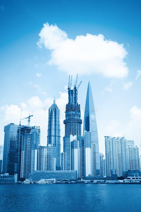 Construction Neuve De Point De Repère à Changhaï Photos stock