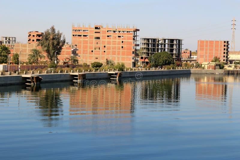 Construction non finie dans Esna, Egypte images stock