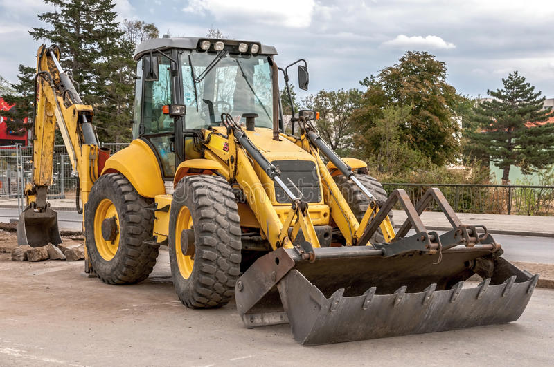 Download Construction And Repair Of Roads And Highways Stock Photo - Image: 27125844