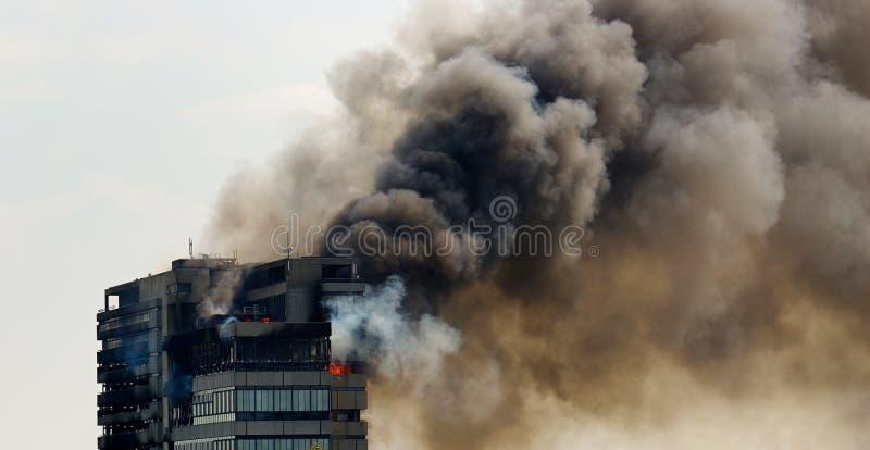 Construction sur l'incendie photographie stock
