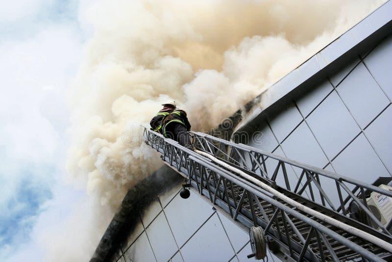 Construction sur l'incendie photo stock