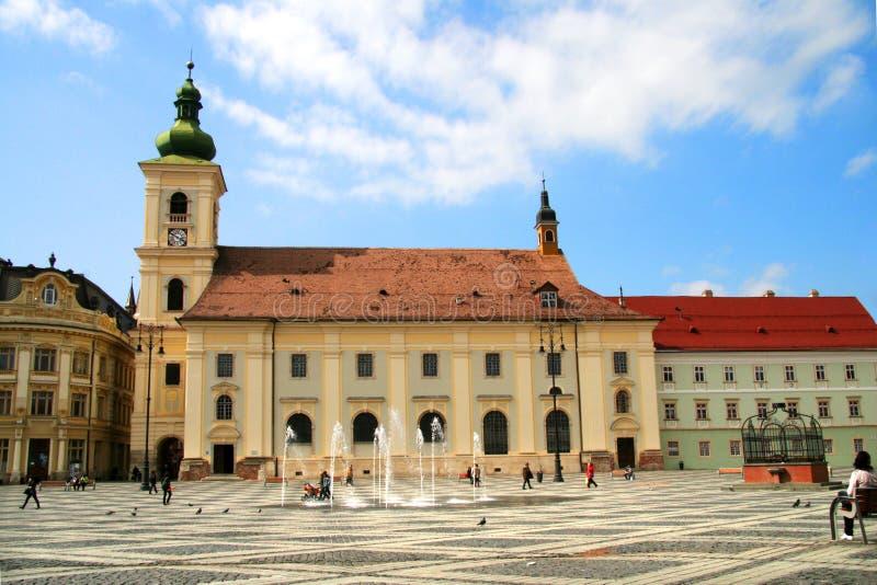 Construction sur le marché de Sibiu image libre de droits