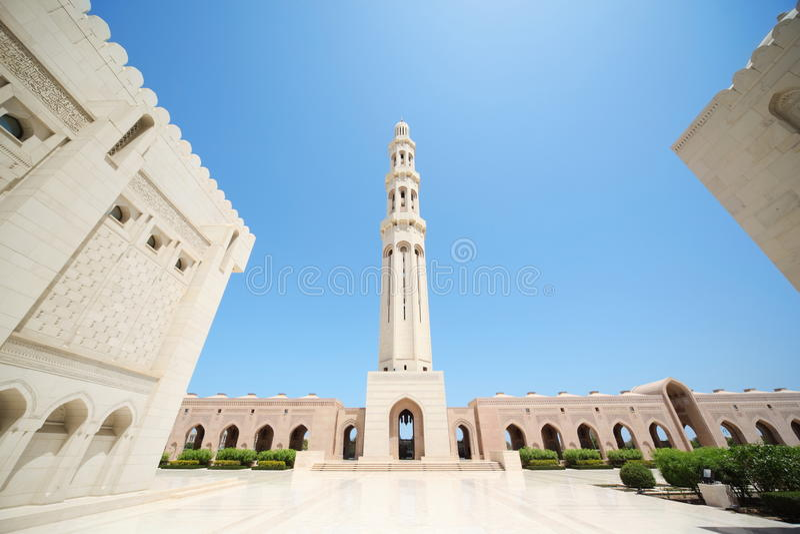 Constructions à l'intérieur de mosquée grande en Oman image libre de droits