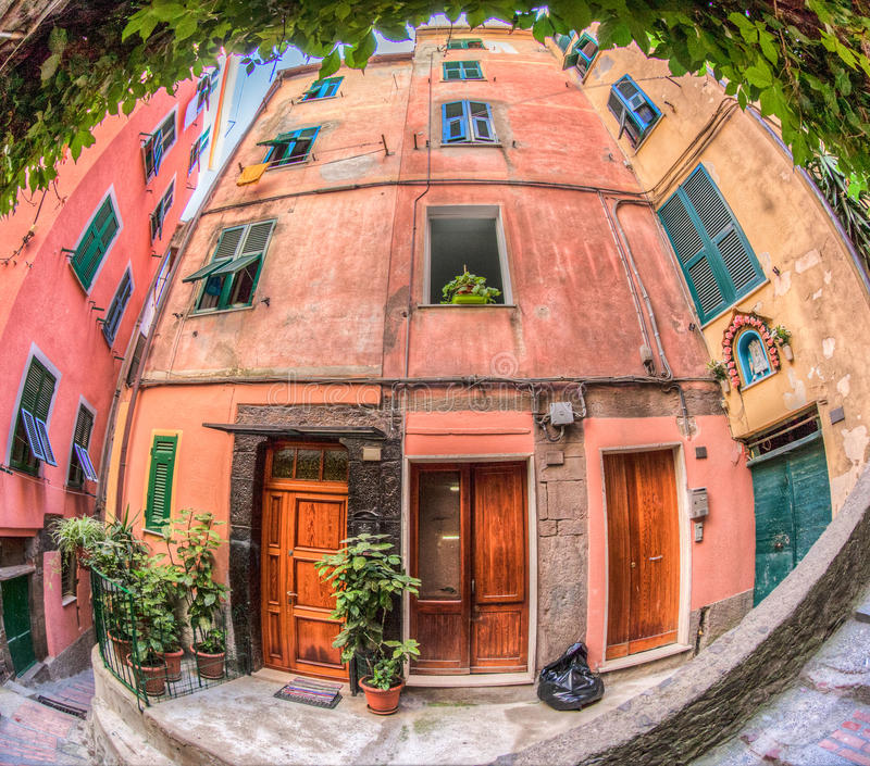 Constructions Cinque Terre, Italie de Vernazza photographie stock