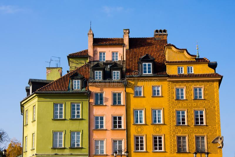Constructions colorées à Varsovie images libres de droits