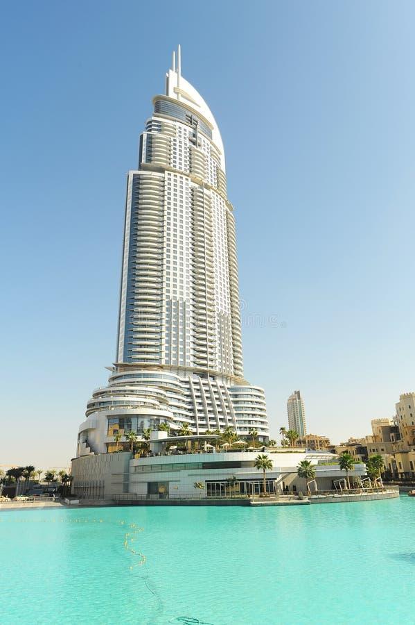 Constructions de corporation à Dubaï image libre de droits
