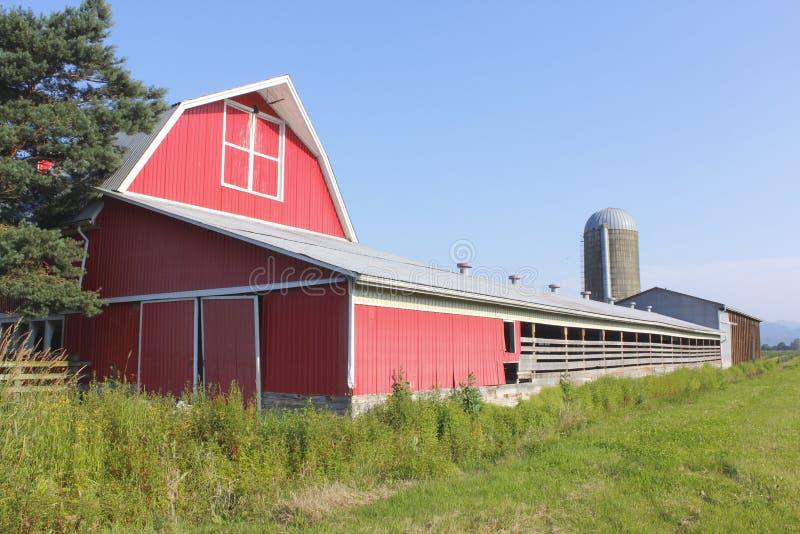 Constructions de ferme de prairie photo libre de droits