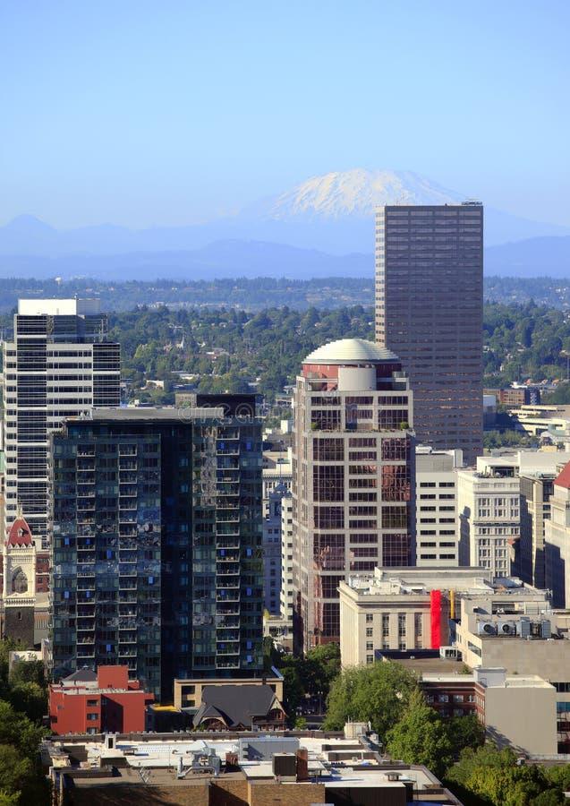 Constructions de Portland Orégon et rue Helen de Mt. images libres de droits