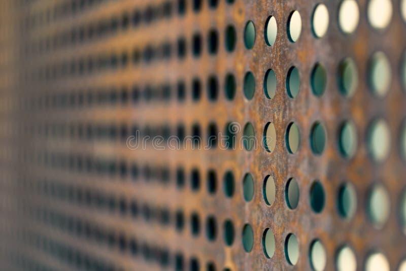 Constructions métalliques perforées images stock