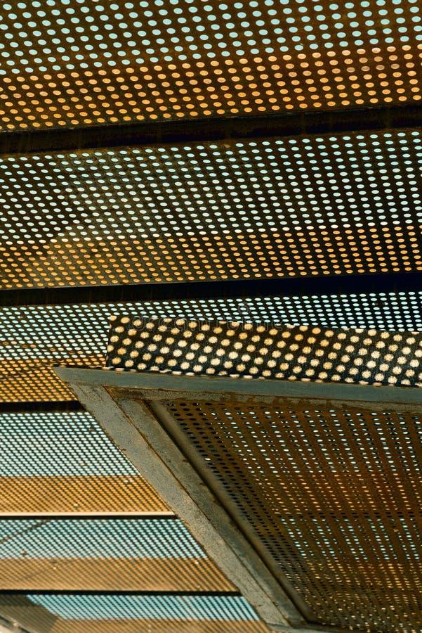 Constructions métalliques perforées photos libres de droits