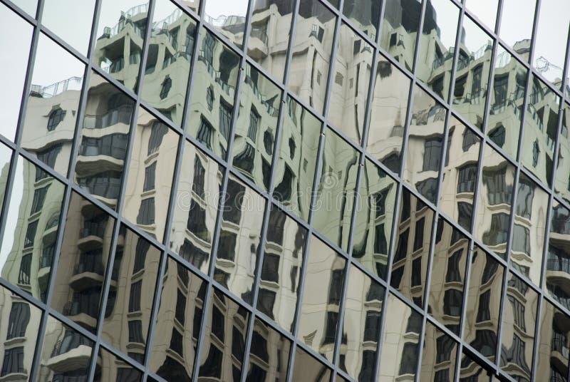 Constructions se reflétantes photographie stock libre de droits