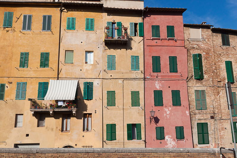 Constructions types de maçonnerie à Sienne image libre de droits