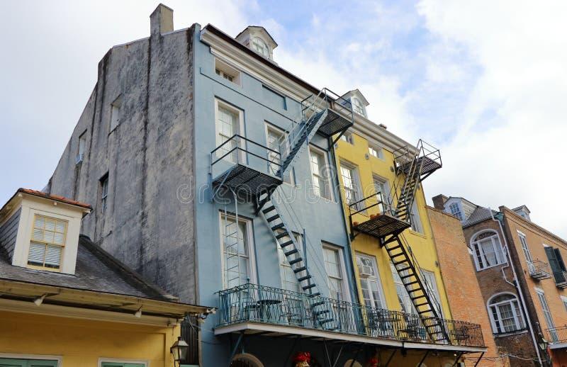Construindo no bairro francês em Nova Orleães, Louisiana fotografia de stock