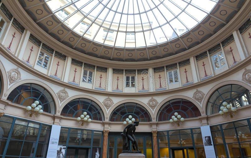 Construit en 1823, Galerie Colbert est arcade couverte appartient au que Nationale de Biblioth Il est énuméré en tant qu'historiq photographie stock libre de droits