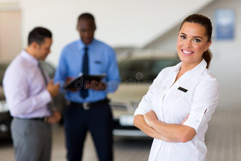 Consulente in materia di vendite del veicolo immagine stock libera da diritti